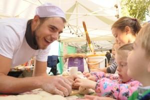 kids_baking